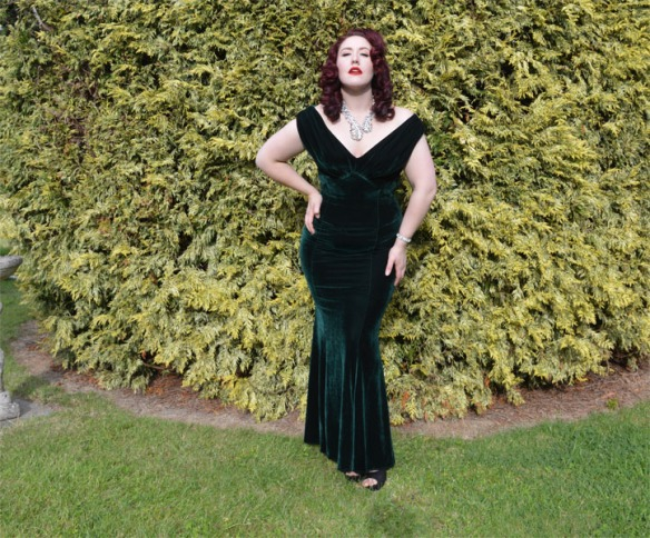 Collectif Claudette gown green velvet