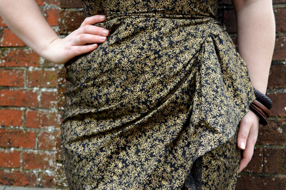Vivien of Holloway Black Golden Leaves Sarong Set