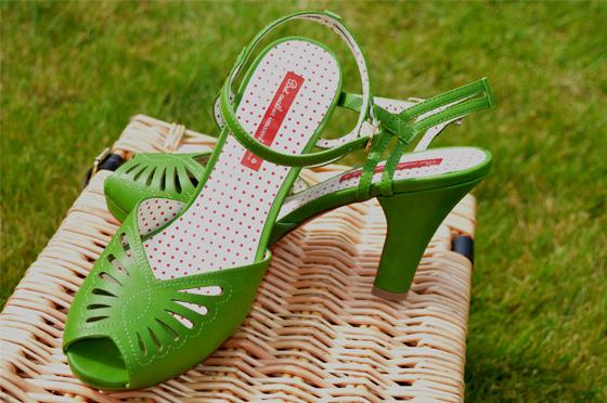 B.A.I.T Loraine heels green