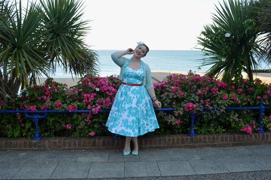 Vivien of Holloway 1950s Halter Neck Circle Dress Turquoise Floral