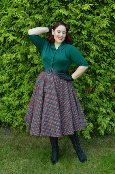 40s April Bow Cardigan by Dancing Days by Banned