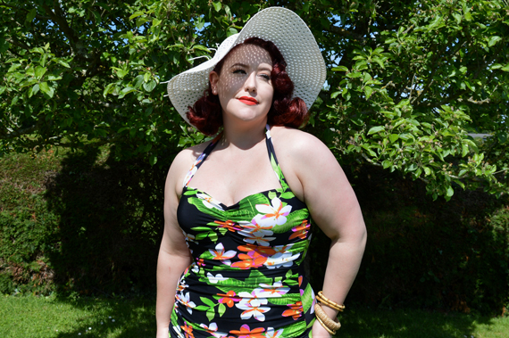 For Luna Carmen Exotic Flowers swimsuit plus size