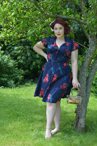 Pretty Retro Tiki Pretty 40s Tea Time dress
