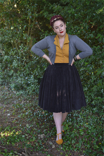 Miss Amy May Hogwarts vintage style Hufflepuff student pinup plus size inspired Harry Potter Cosplay disneybound