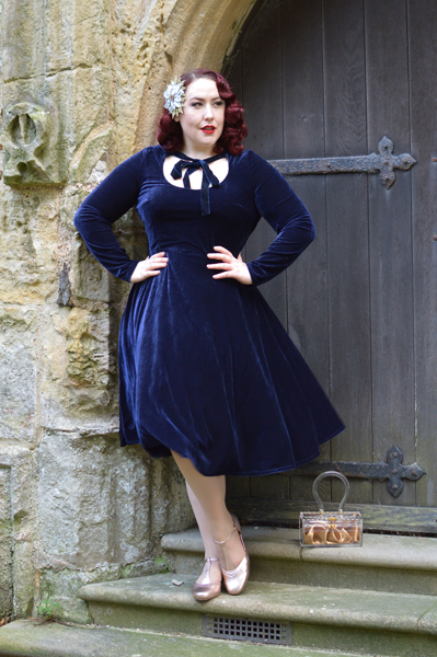 Collectif Clothing navy velvet Clara swing dress christmas party Hotter shoes Rose Gold Viviene heels Miss Amy May plus size pinup fit size review
