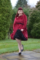 Miss Amy May plus size pinup review Dolly & Dotty 23 inches 59cm soft nylon fluffy petticoat giveaway contest
