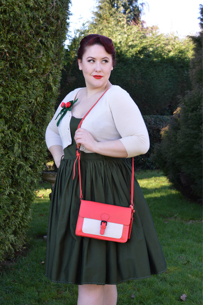Blood Orange/Beige Ivy leather satchel handbag gifted byHotter Shoes Miss Amy May casual vintage style
