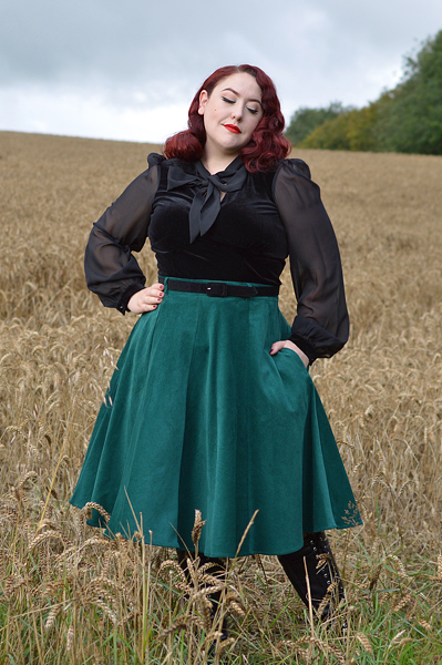 Gabriella Top Jefferson Skirt by Hell Bunny  Discount code Amymay20!% for 20% off  Hellbunny.com size fit review Miss Amy May
