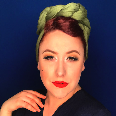 Easy Vintage Turban hairstyle for sheltering at home pinup look