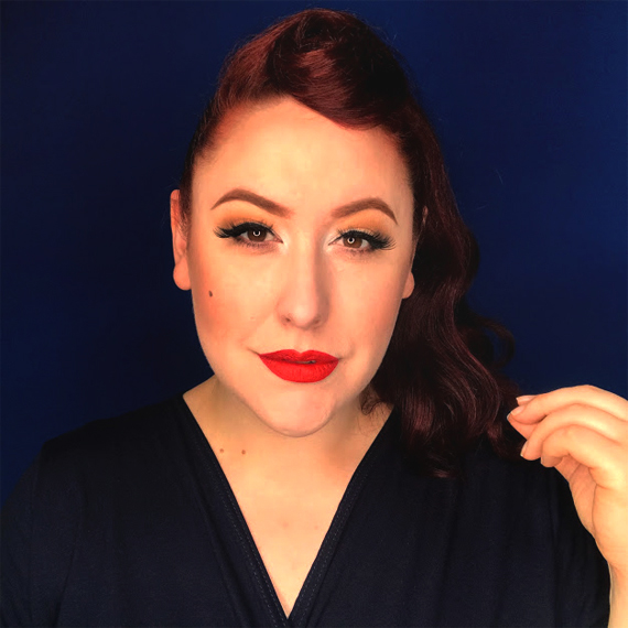 Miss Amy May creates an Easy vintage ponytail look for isolating at home in vintage style