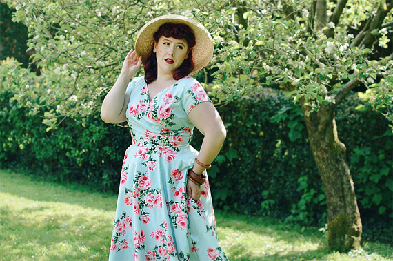 Plus sized pinup Miss Amy May writes a fit and size review of the Blue Vintage Rose Hourglass swing dress gifted by The Pretty Dress Company