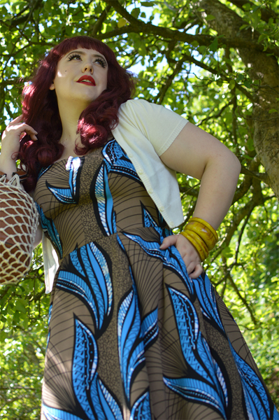 Fit and size review of the Baran-Blue dress by Miss Candyfloss by plus size pinup blogger Miss Amy May