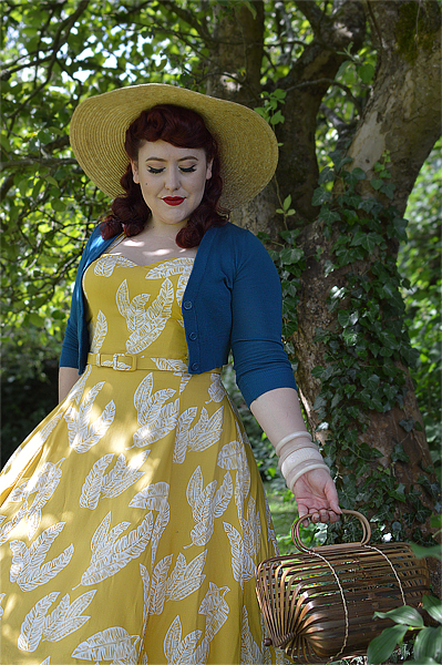 Fit and size review of the Collectif Beth Golden Leaves swing dress by plus size pinup Miss Amy May