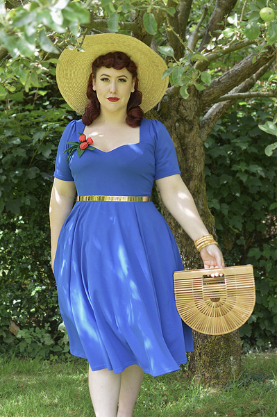 Fit and size review of Cerys' Closet Vera Sweetheart dress by plus size pinup Miss Amy May