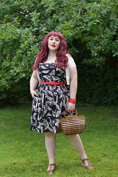 Fit and size review of the Chiara dress gifted by Hell Bunny by plus size pinup Miss Amy May. discount code amymay20!% for 20% off hellbunny.com