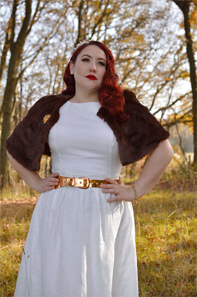 fit size review by plus size pinup Miss Amy May of the White Melania dress gifted by Marie Zélie