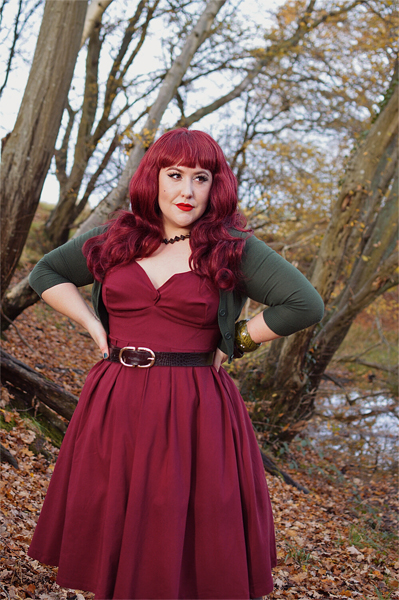 Fit and size review by plus size pinup Miss Amy May of the Midge dress by Unique Vintage