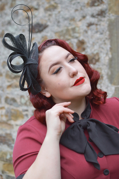 Miss Amy May modelling a wedding fascinator hat from Fascinatorsdirect.co.uk in a product review