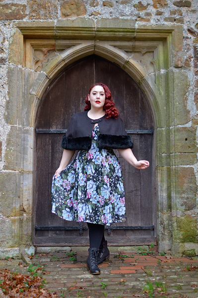 Fit and size review of the Magnolia dress by Hell Bunny, modelled by plus size pinup Miss Amy May
