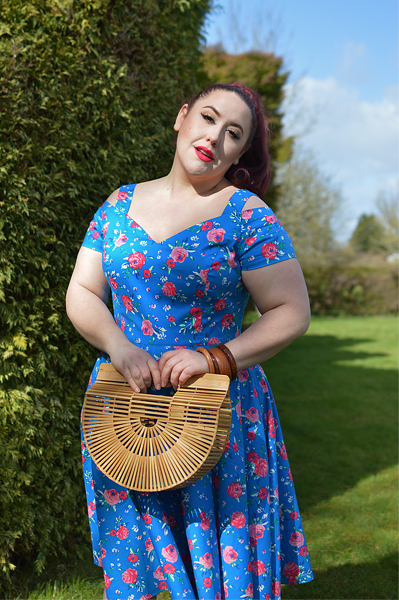 Plus size pinup Miss Amy May models the Chantilly 50s dress she was gifted by Hell Bunny for a fit and size review