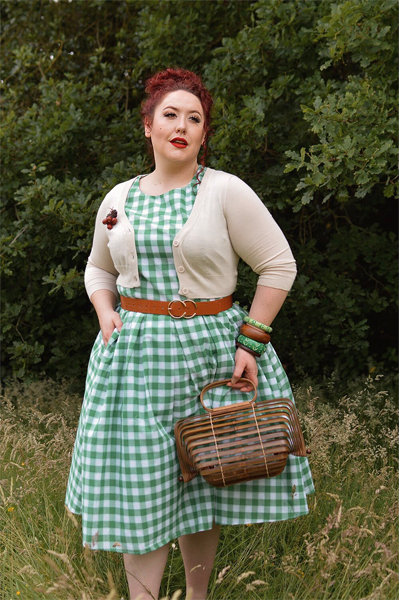 Plus size pinup Miss Amy May models the Annie Green gingham dress gifted by Dolly & Dotty for a fit and size review